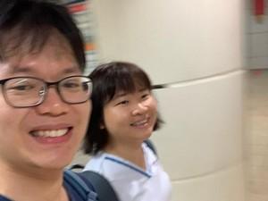 Perawat di Kereta Dijauhi karena Virus Corona, Aksi Manis Suaminya Viral