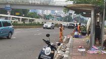 Demo Buruh Bubar, Sampah Berserakan di Depan Gedung DPR
