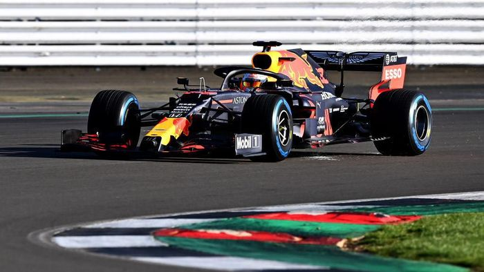 NORTHAMPTON, ENGLAND - FEBRUARY 12: Max Verstappen of the Netherlands driving the (33) Aston Martin Red Bull Racing RB16 during the Red Bull Racing RB16 launch at Silverstone Circuit on February 12, 2020 in Northampton, England. (Photo by Clive Mason/Getty Images)