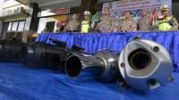 Penyitaan dan pemusnahan knalpot yang bikin bising itu juga dilakukan oleh Poresta Bandar Lampung, Lampung. Antara Foto/Ardiansyah.