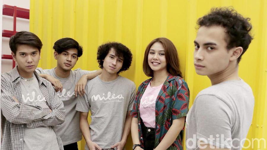 Para pemain film Milea: Suara dari Dilan.