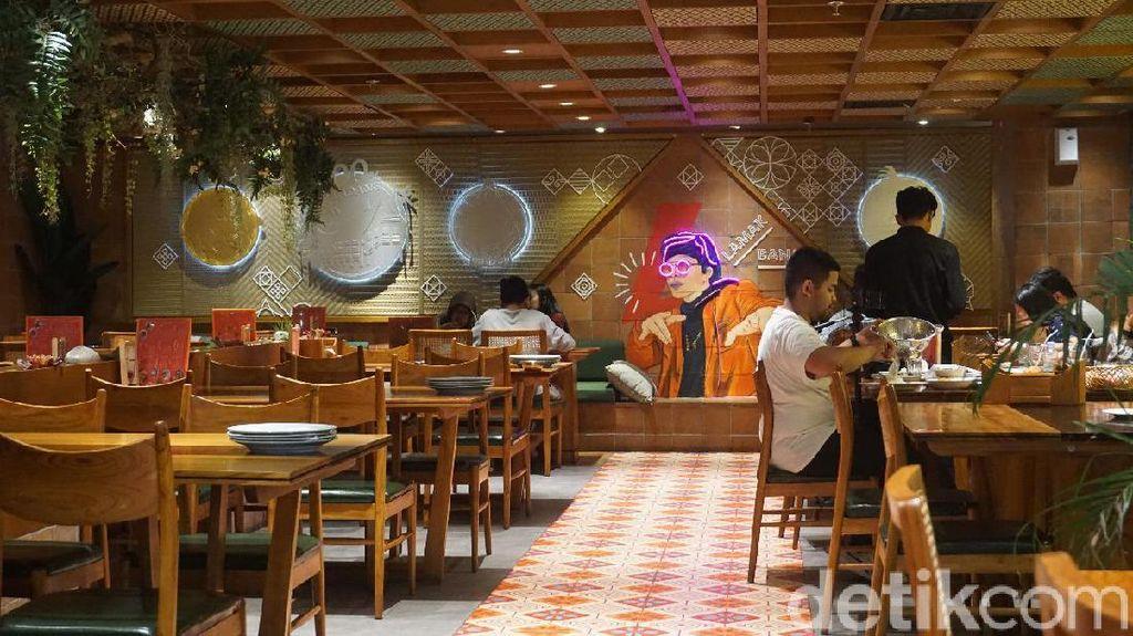 Padang Petir: Ashiap! Mencicipi Dendeng Batokok di Resto Atta Halilintar
