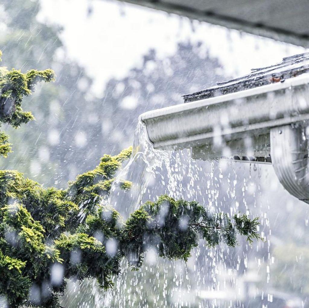 Warganet Keluhkan Jaringan Firstmedia Saat Hujan Guyur Jakarta