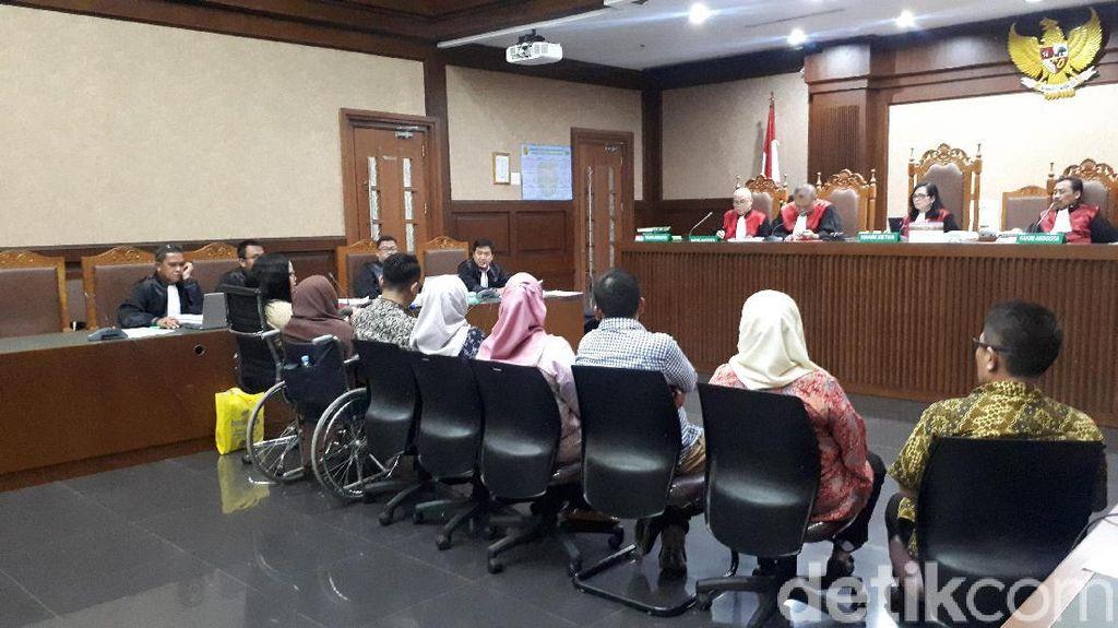 Jaksa Cecar Saksi soal Setoran Wawan Bayar Alphard-Mercy