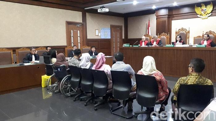 Sidang kasus korupsi yang menjerat Tubagus Chaeri Wardana