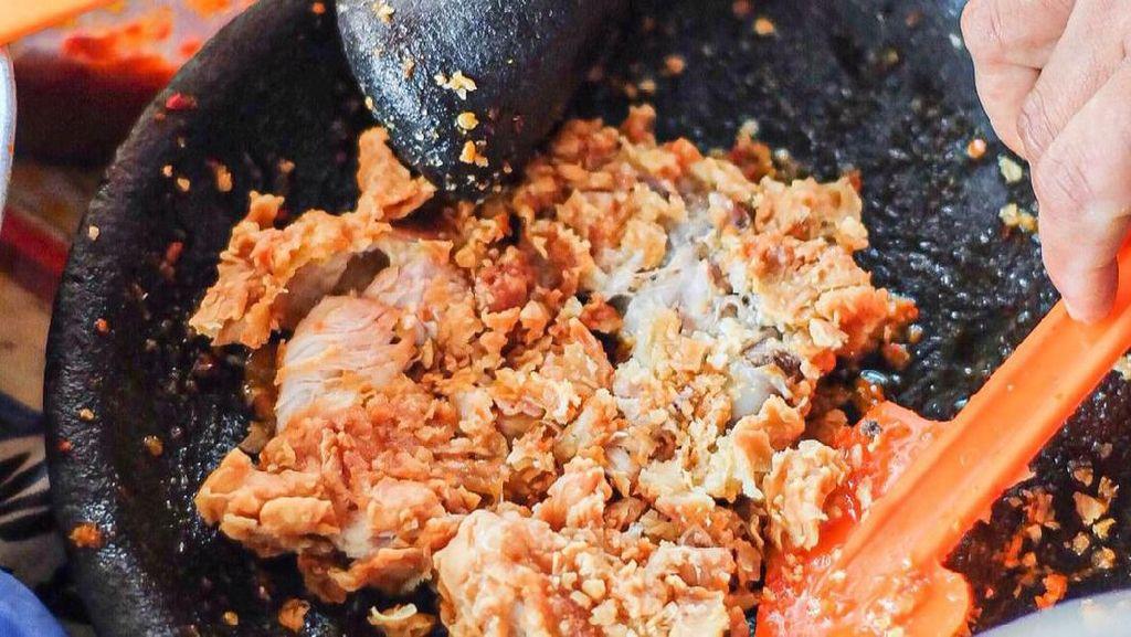 Netizen Sebut Ayam Geprek di Luar Yogyakarta Tidak Sesuai Pakem, Ini Sebabnya