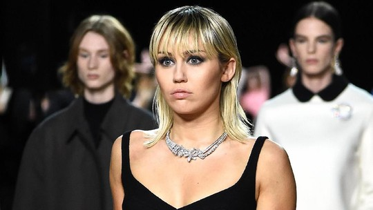 Suprise! Miley Cyrus Jadi Model di New York Fashion Week