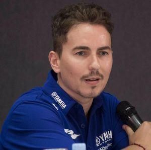 Duh, Lorenzo Perang Komentar di Medsos dengan Dua Rider MotoGP