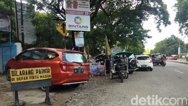 Parkir Liar Marak Bikin Ampun Pengendara di Makassar