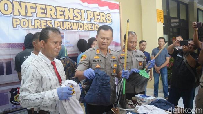 Jumpa pers kasus penyiksaan siswi SMP Muhammadiyah Butuh, Purworejo, Kamis (13/2/2020).