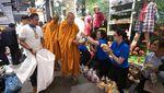 Lantunan Doa dari Biksu dan Warga di Lokasi Penembakan Thailand