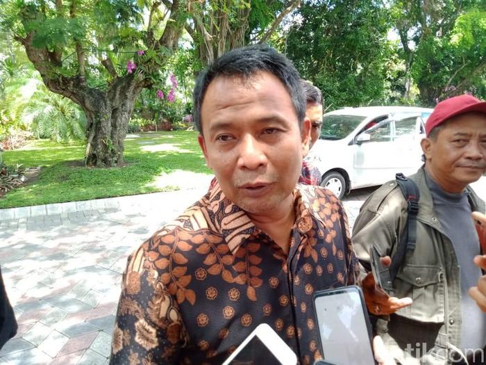 Razia isi HP pelajar SMP di Surabaya sudah digelar sejak Kamis (6/2). Sampai saat ini, petugas belum menemukan konten negatif.