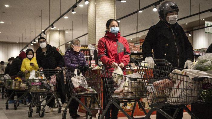 Jumlah korban jiwa akibat virus corona di China melonjak drastis. Hingga kini diketahui 1.363 orang tewas akibat wabah virus corona secara global.