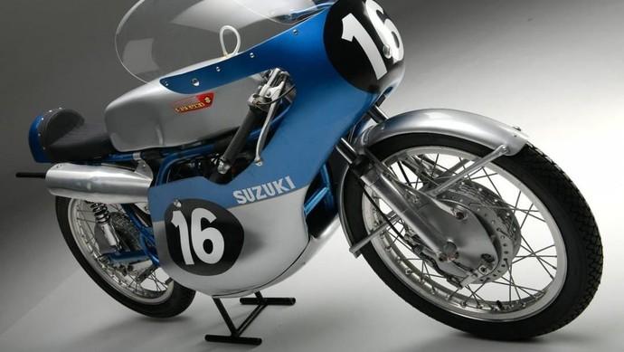 Motor 2 Tak Suzuki MotoGP