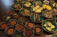 Huaah! Makan Makin Seru dengan Pilihan 30 Sambal Nusantara di Sini