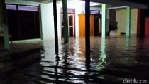 Warga Ponorogo Kebanjiran Gegara Sungai Tersumbat