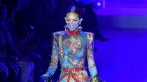 Heboh Virus Corona, Masker-masker Unik Esksis di New York Fashion Week