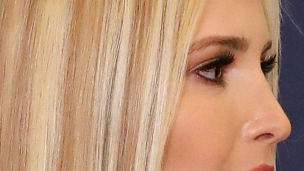 Foto: Rambut Baru Ivanka Trump, Belang Seperti Tren 2000-an