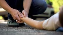 Asyik Bermain di Separator Jalan, Pelajar SMP Tewas Terlindas Truk