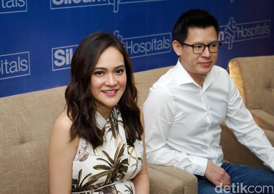 Shandy Aulia saat ditemui di RS Siloam TB Simatupang.