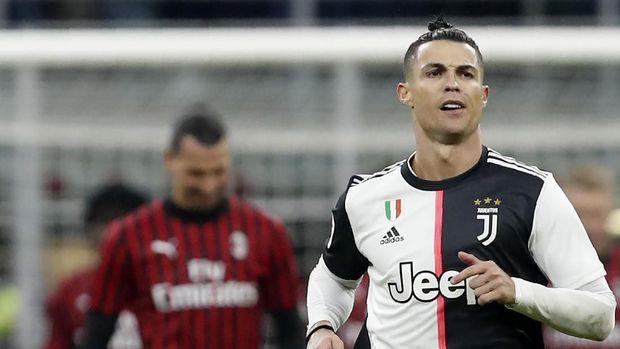 Cristiano Ronaldo ada di urutan kedua gaji tertinggi di dunia.