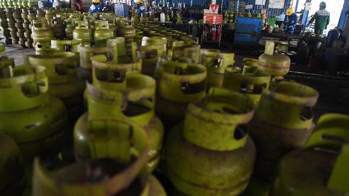 Seiring dengan isu pencabutan subsidi gas LPG 3Kg, Pertamina menyiapkan tim khusus. Tim ini akan melakukan pengawasan terhadap ketersediaan gas LPG 3 Kg.