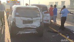Tak Ada Korban, Ini Penyebab Kecelakaan 5 Kendaraan di Tol Layang Japek