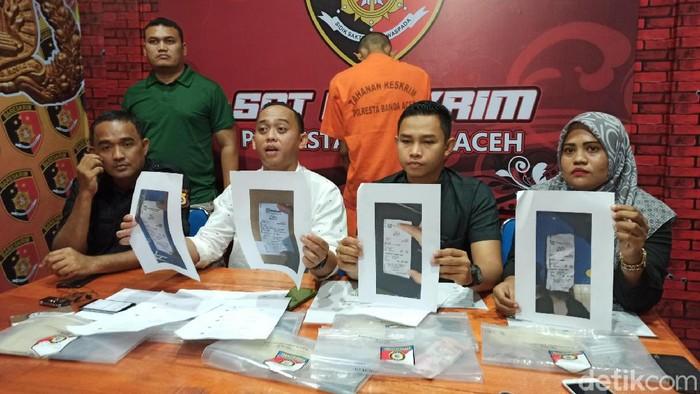 Polisi menangkap seorang napi di Banda Aceh yang memeras pelajar lewat Instagram.