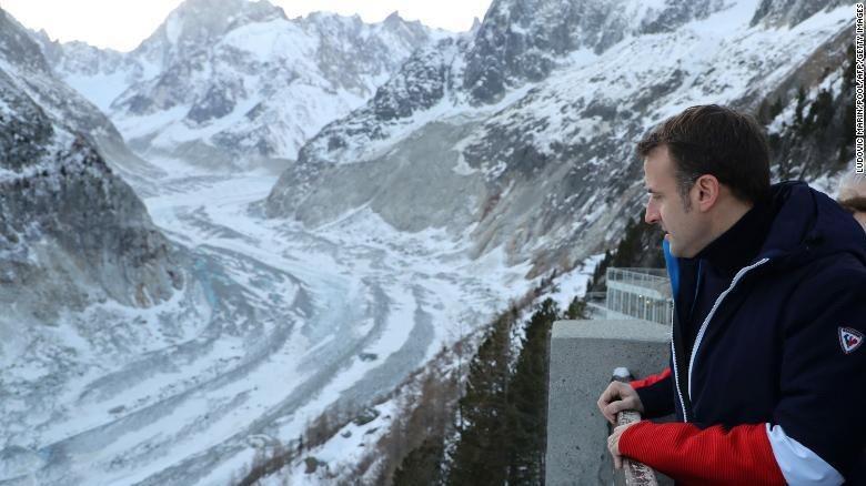 Emmanuel Macron di Gunung Mont Blanc