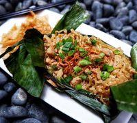 Cuma Punya Rp. 25.000? Bisa Makan Enak dan Kenyang di Pasar Santa