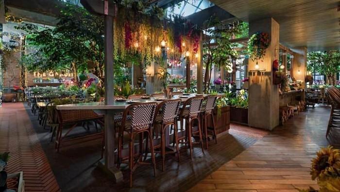 tempat makan romantis pik