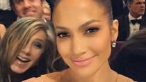 12 Photobomb Artis yang Kocak Banget, Beyonce Sampai Melet