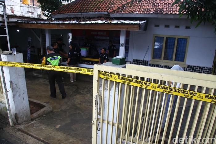 Polisi membongkar praktik ilegal aborsi di klinik bernama Paseban di Jakarta Pusat. Klinik tersebut disebut telah mengaborsi 903 janin selama dua tahun.