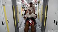 LRT Berbagi Kebahagiaan dengan Lansia di Hari Valentine