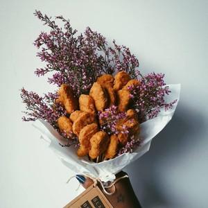 Tren Buket Chicken Nugget Jadi Pengganti Bunga Sebagai Hadiah Valentine