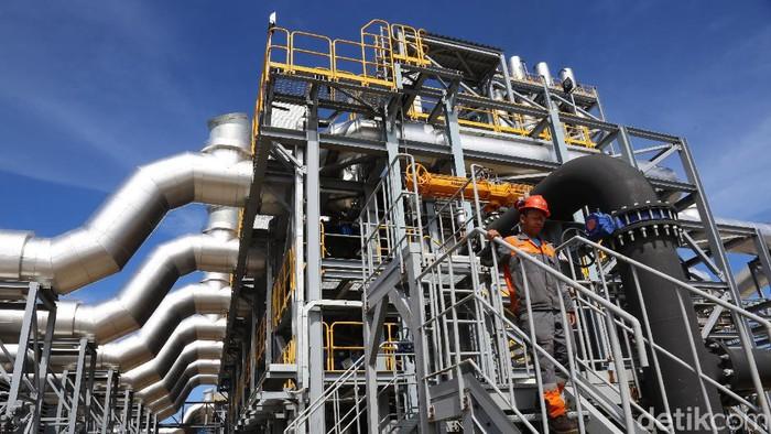 PLTMGU Lombok Peaker pembangkit listrik  mesin gas pertama yang dibangun di Indonesia. Pembangkit ini menggunakan gas engine untuk proses pembakarannya.