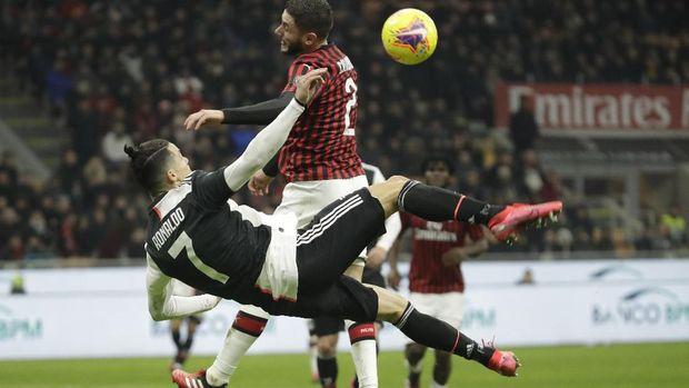 Cristiano Ronaldo tantang Lionel Messi hijrah ke Liga Italia.