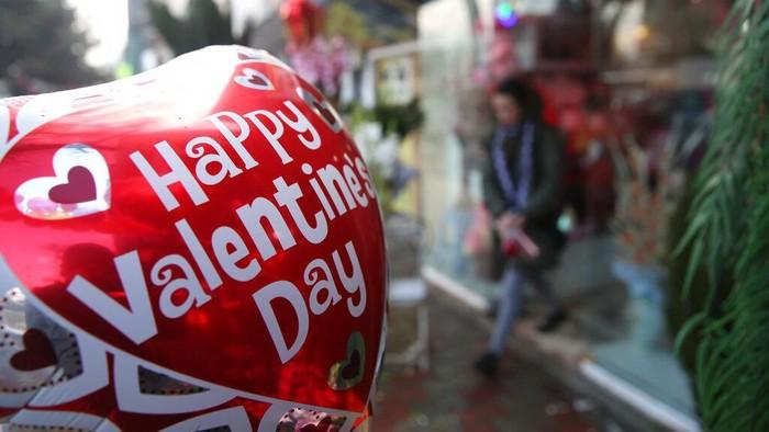 Tanggal 14 Februari dirayakan sebagai Hari kasih sayang. Berbagai kegiatan pun dilakukan oleh warga di berbagai negara di dunia untuk rayakan Valentine.