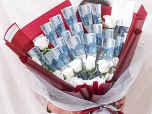 Valentine Zaman Now, Buket Uang hingga Makeup Laris Dibeli