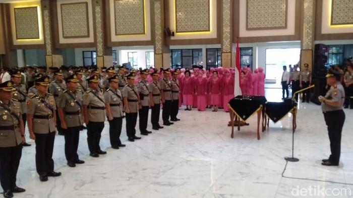 Jabatan Empat Pejabat Utama dan Tujuh Kapolres Jajaran Polda Jatim Berganti
