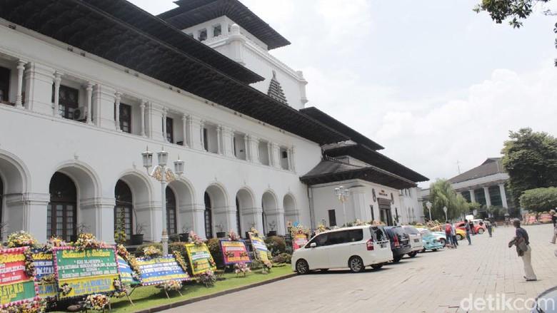 Gedung Sate di Bandung dibuka untuk umum mulai Sabtu (15/2/2020).