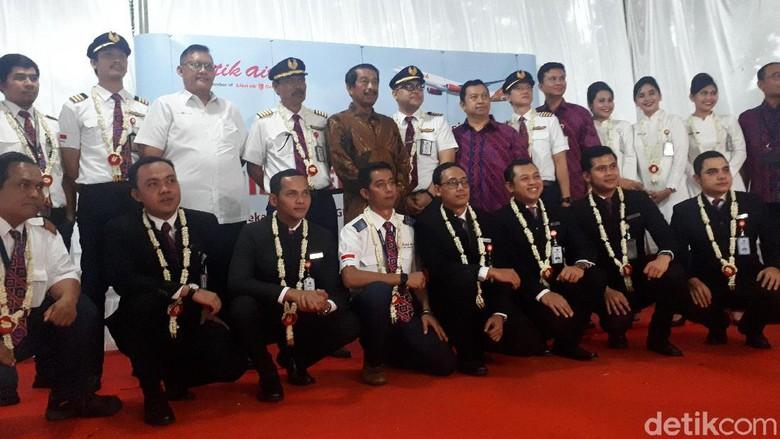 kru, pramugara dan pramugari, pilot Batik Air saat tiba di Jakarta, Sabtu (15/2/2020).