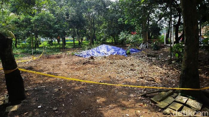 Wilayah Perumahan Batan Indah, Serpong, Tangerang Selatan (Tangsel) ditemukan paparan radioaktif, Sabtu (15/2/2020). Kondisi di titik paparan radioaktif masih dibatasi menggunakan garis perimeter.