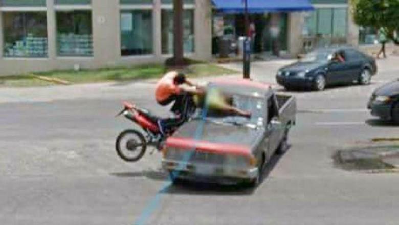 Kecelakaan terekam Google Street View