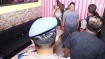 Razia Valentine, Polisi Ciduk Pasangan Bugil dan 11 Anak Punk di Ngawi