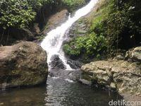 Air Terjun Tersembunyi dari Hutan Sulawesi