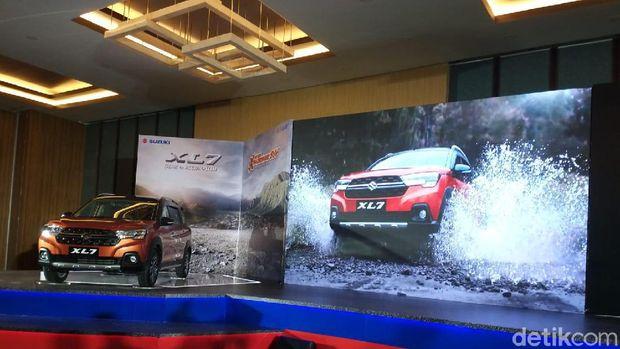 Suzuki XL7 akan menjadi pesaing Xpander Cross
