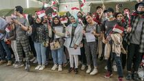 Senyum Bahagia WNI Saat Diterbangkan dari Natuna ke Jakarta
