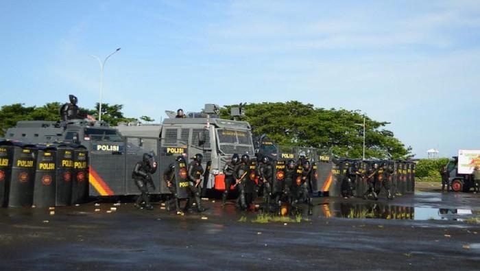 DOK. ISTIMEWA/ Simulasi pengaman Pilkada Makassar