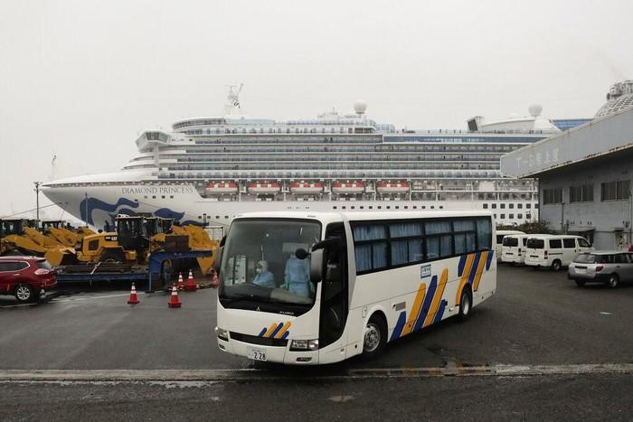 AS berencana evakuasi warganya yang berada di kapal pesiar yang tengah dikarantina di Jepang terkait virus corona. Evakuasi itu akan dilakukan hari Minggu ini.